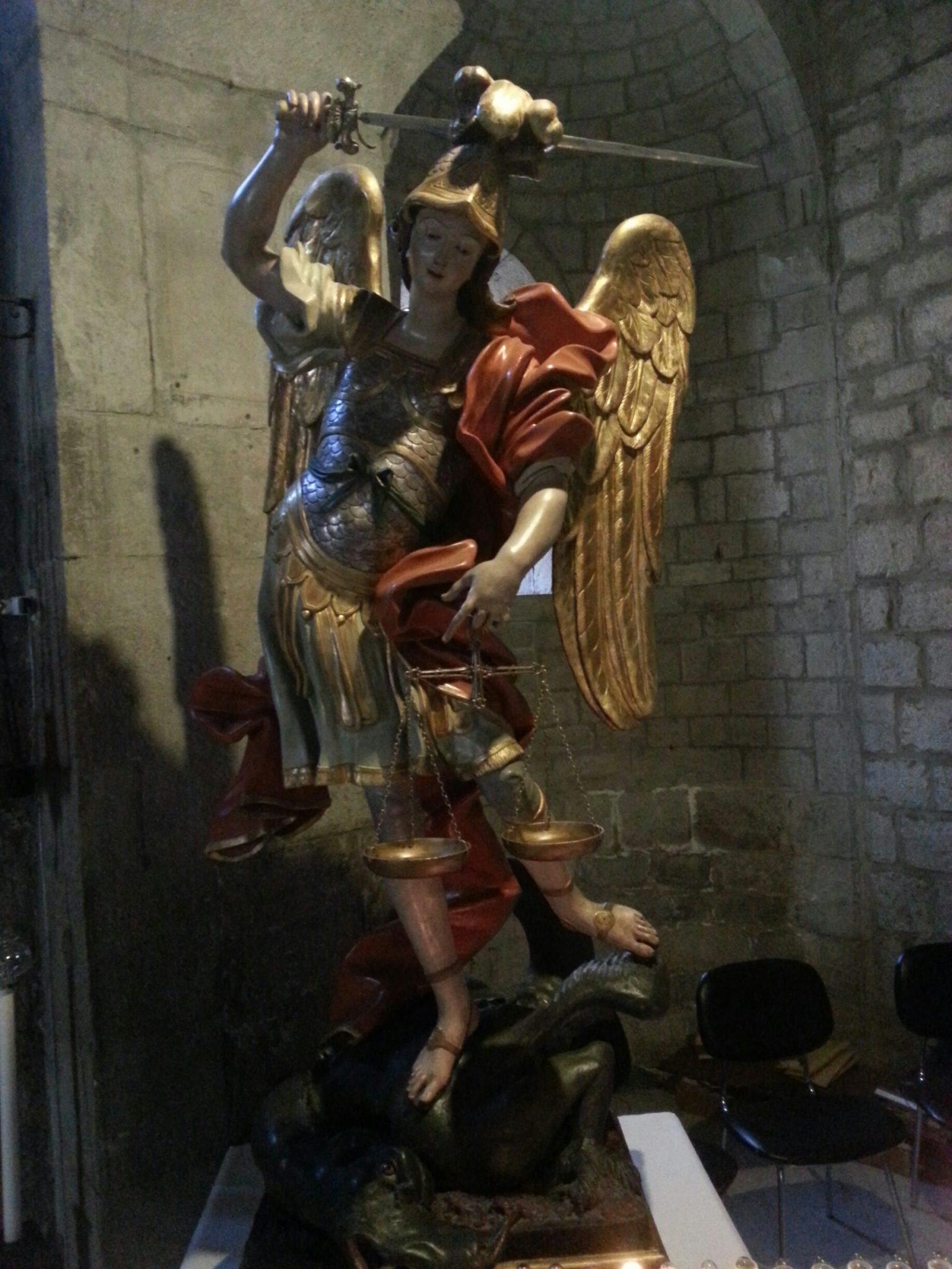 Gli Angeli verranno e separeranno i cattivi di mezzo ai giusti e li getteranno nella fornace del fuoco
