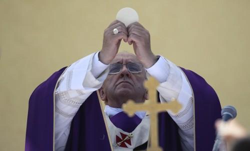 Il diavolo vuole dividere la Chiesa alla radice