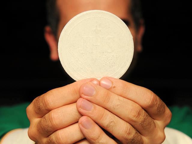 La novena Eucaristica, quella che converte, libera, guarisce