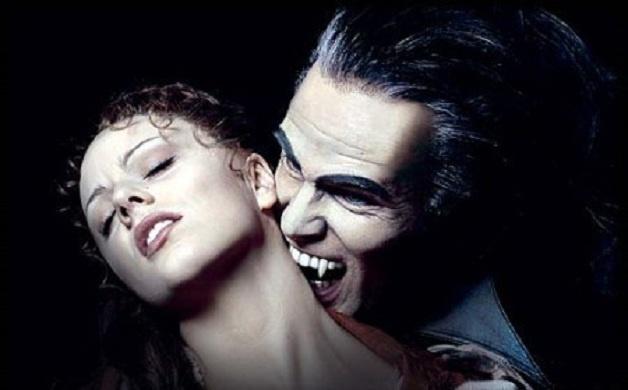 Vampiri nella vita reale, si succhiano il sangue reciprocamente - Annalisa  Colzi