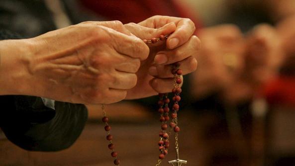 In centinaia pregano il rosario affinchè l'America abbracci la santità