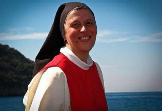 Suor Maria Gloria Riva e la bellezza dell'Adorazione Eucaristica