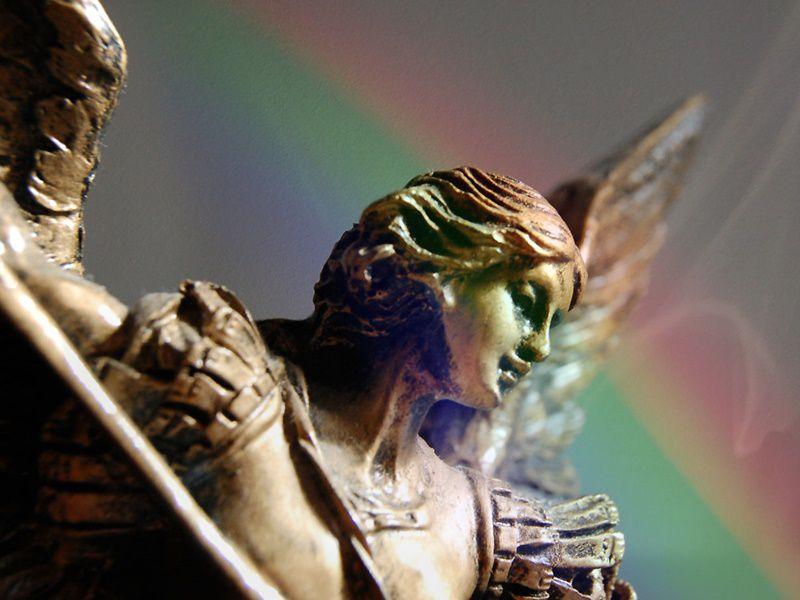 La potente preghiera a San Michele Arcangelo per liberarci dal male