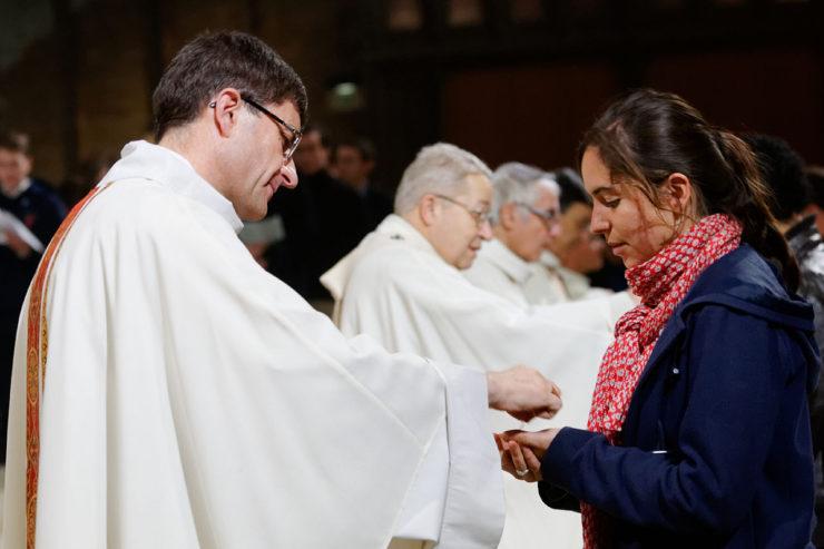 Istruzioni sull'Eucaristia per sacerdoti e fedeli
