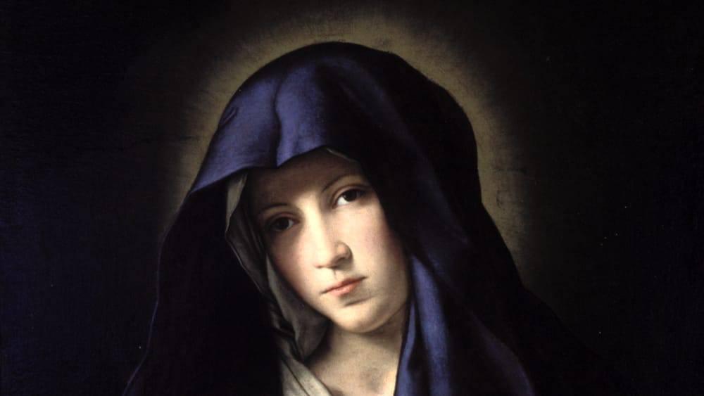 Maria, la Madre di Gesù, partecipa ai dolori del figlio suo