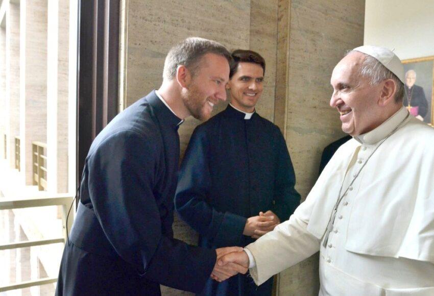 Papa Francesco: La preghiera è il polmone del cristiano