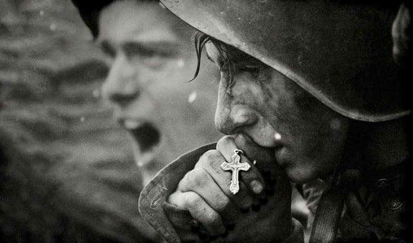 il soldato di Maria ha una particolare devozione alla Madonna e al Santo Rosario