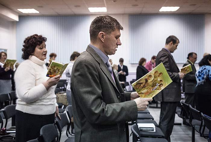 Gesù è stato creato da Dio, così affermano i testimoni di Geova