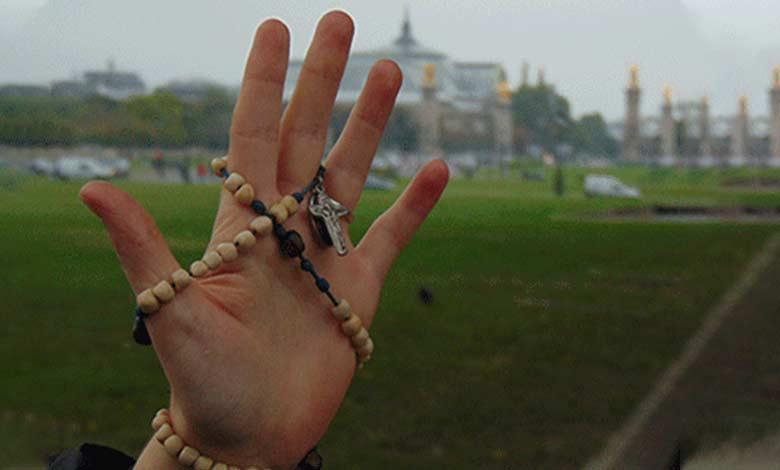 L'arma per vincere satana è la corona del rosario