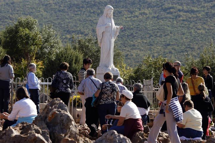 Maria porta l'amore di Gesù nella nostra vita