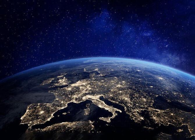 Stare lontani dal mondo che significa?